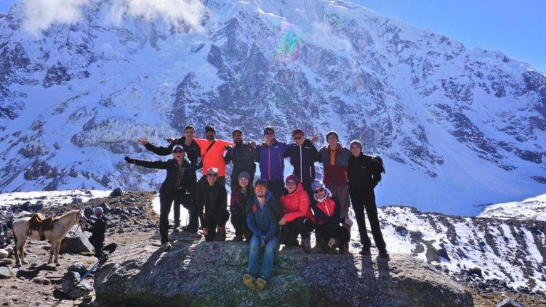 Auf dem Salkantay Pass mit der Gruppe